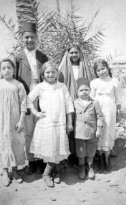 Bambini armeni a Baghdad nel 1918. Foto: anonimo., via Wikimedia Commons