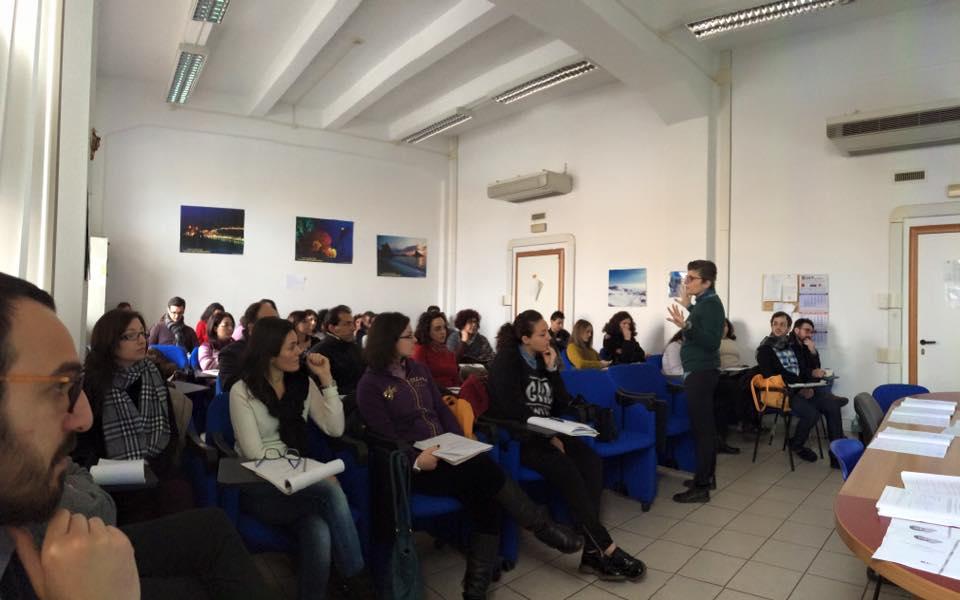 La professoressa Nava durante un seminario ai corsi CFP - Cortesia Pensando Meridiano