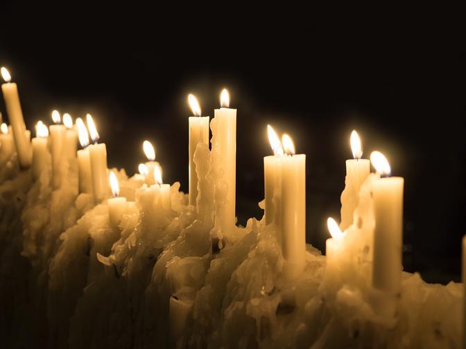 fiammelle-eretiche-candele-massimiliano-capalbo-imprese-calabria-la-terra-dei-recinti-gotham-lasantafuriosa